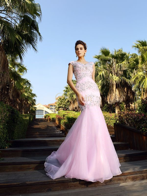 Pink Satin V-neck Trumpet/Mermaid Court Train Dresses