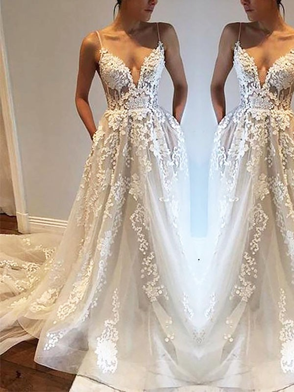 Ivory Tulle Spaghetti Straps A-Line/Princess Court Train Wedding Dresses