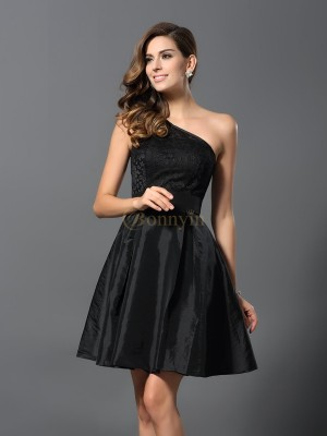 Black Taffeta One-Shoulder A-Line/Princess Short/Mini Bridesmaid Dresses