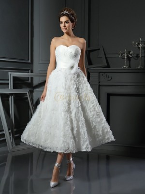 Ivory Satin Sweetheart A-Line/Princess Tea-Length Wedding Dresses