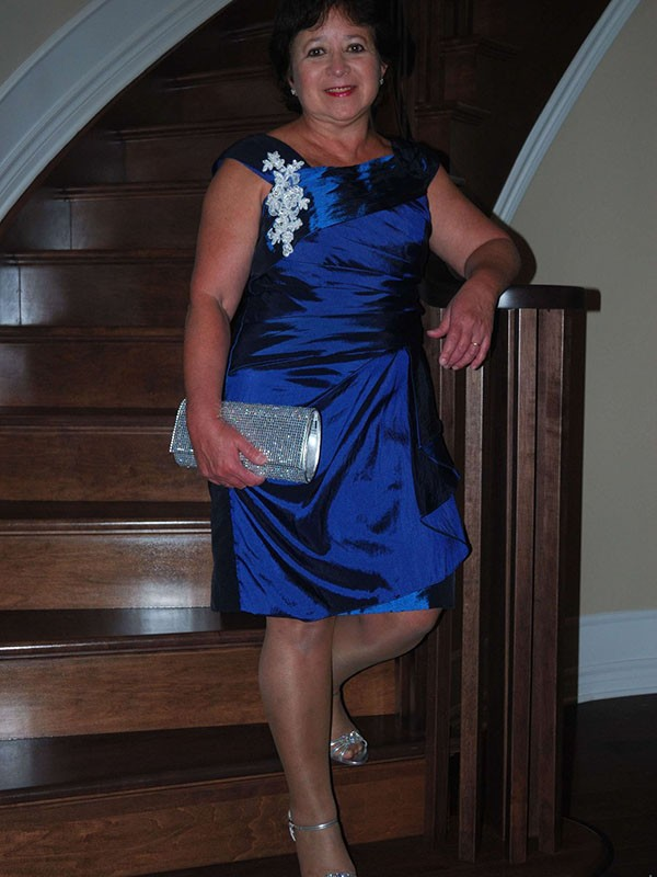 Royal Blue Satin Straps Sheath/Column Knee-Length Mother of the Bride Dresses