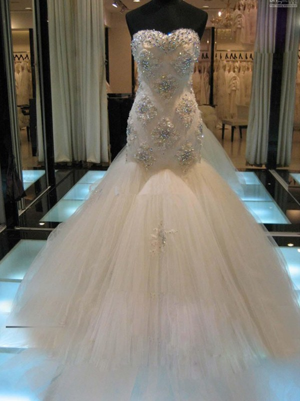 White Tulle Sweetheart Trumpet/Mermaid Chapel Train Wedding Dresses