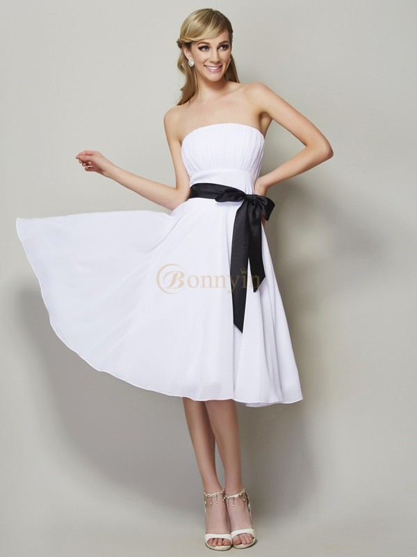 White Chiffon Strapless A-Line/Princess Knee-Length Bridesmaid Dresses