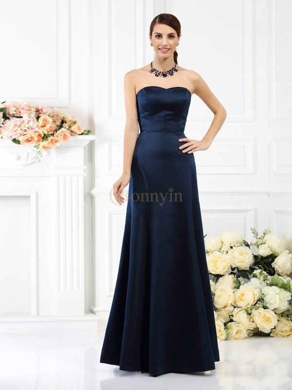Dark Navy Satin Strapless Sheath/Column Floor-Length Bridesmaid Dresses