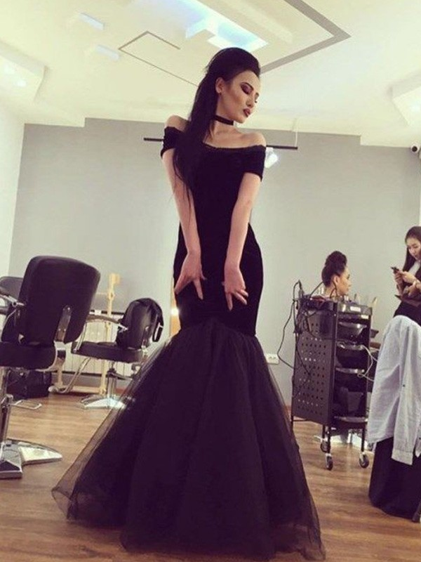Black Tulle Off-the-Shoulder Trumpet/Mermaid Floor-Length Dresses